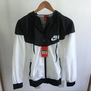 cff27ca148 Nike Jackets   Coats - Black and White Nike WindBreaker New With Tags